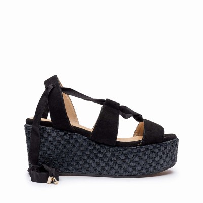 Suede and wicker sandal